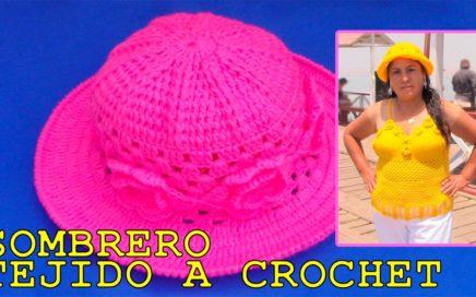 e5e28ec02b179 Sombrero tejido a crochet con aplicaciones de rosas paso a paso