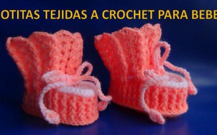 4f03b1c458923 Botitas o zapatitos tejidos a crochet en punto abanicos con garbanzos en  relieve para bebe
